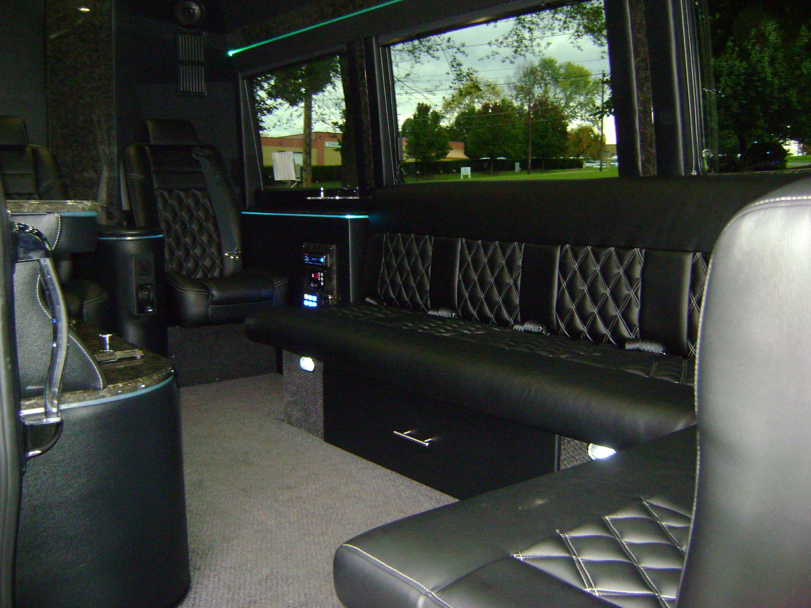 jjtransportation   vehicles mercedes limo van